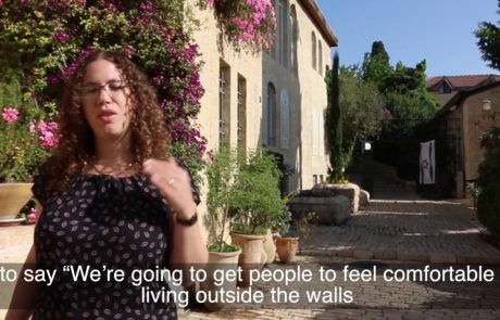 How Did Moses Montiefiore Convince People to Move to Yemin Moshe?